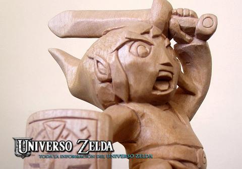 Asombrosa escultura de Link talada en madera