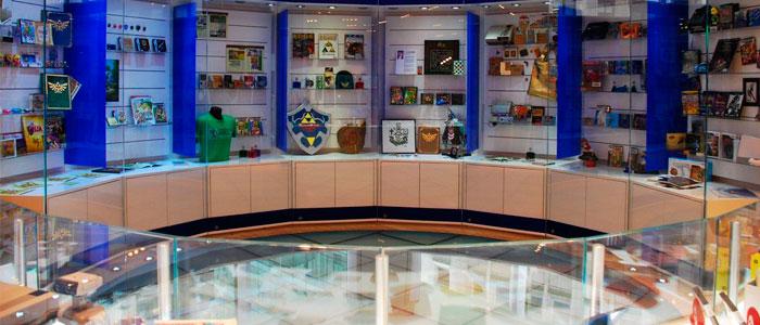Figuras de Zelda en la Nintendo World Store