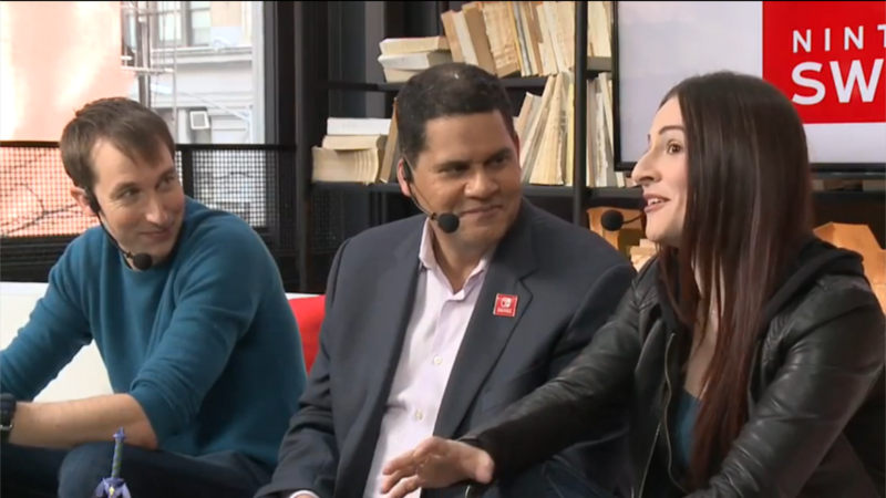 Reggie muestra el Master Bundle en Nintendo Treehouse Switch